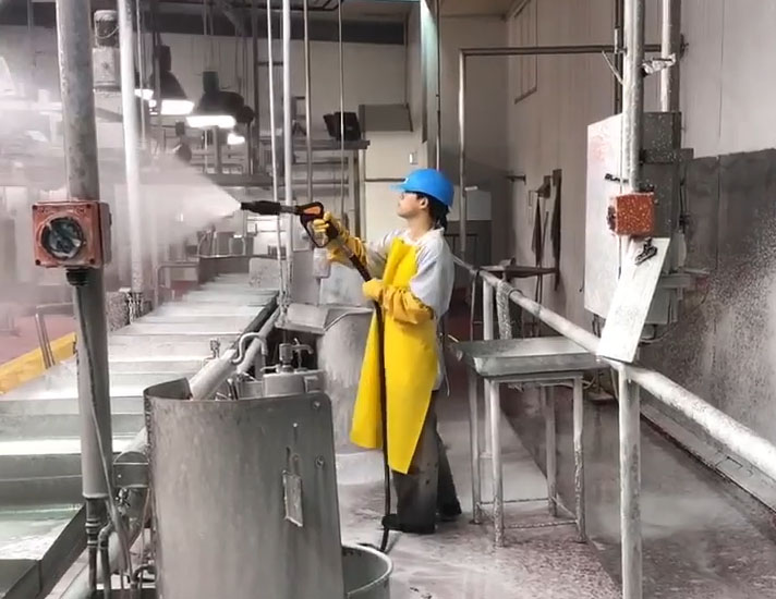 Small stock abattoir cleaning